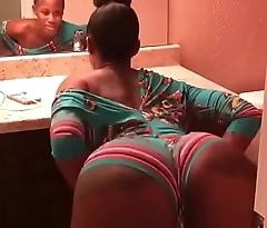 sexy sooty girl twerking