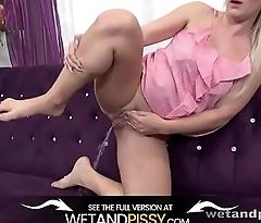 Wetandpissy - Sandra Bell