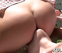 Big gazoo babe begs for a face sitting delight