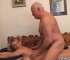 Cute girl takes it up the booty
