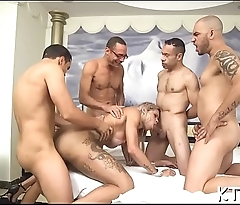 Tranny can'_t live out of some dirty playing