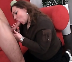He tricks plump babe into fat sex