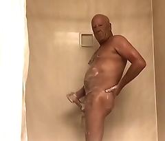 Grandpa&rsquo_s Morning Shower