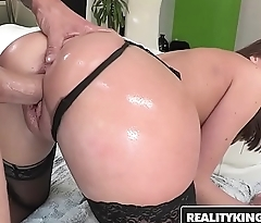 RealityKings - Monster Curves - (Chris Strokes, Vivie Delmonico) - Vivacious