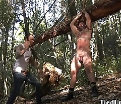 Frolic stud cocksucking in the matter of outdoor BDSM