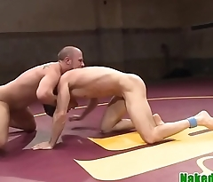 Wrestling jock gives hj to sub until cumshot