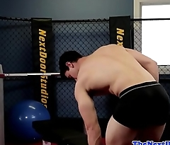 Muscular gym hunk solo milking cock till cum