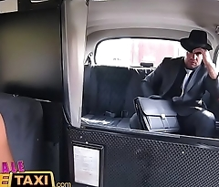 Female Fake Taxi Heist makes chap-fallen driver horny for a in agreement fucking in cab