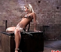 Tattooed submissive gagging while pussytoyed