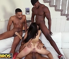 BANGBROS - 3 Big Dick Brothas Gangbang Petite Latina Michelle Martinez