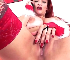 Christmas Babe play with her ass!!! with Mary Voyager